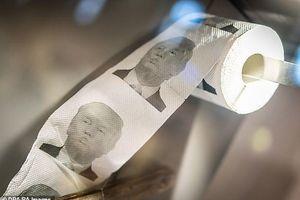 Người Trung Quốc đổ xô đi mua đồ in hình Tổng thống Trump để chống Mỹ