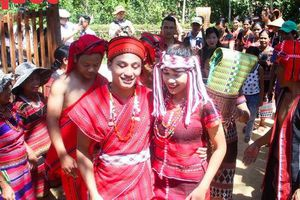 Độc đáo lễ cưới của người Pa Cô