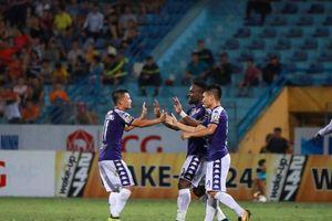 Bùi Tiến Dũng lần đầu bắt chính giúp Hà Nội FC vượt qua SHB Đà Nẵng