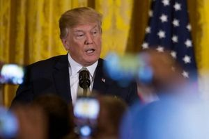 Giữa căng thẳng Mỹ-Trung, Tổng thống Trump hoãn chiến với đồng minh