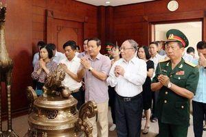 Kỷ niệm 129 năm Ngày sinh Chủ tịch Hồ Chí Minh tại Lào