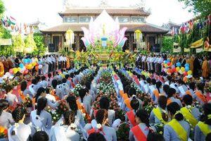 Tăng, ni và đồng bào Phật tử tại Huế hân hoan mừng Đại lễ Phật đản 2019