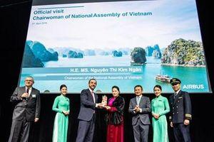 Vietnam Airlines tiếp nhận máy bay thân rộng Airbus A350