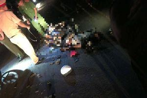 Tông vào xe máy kéo trong đêm, 2 thanh niên tử vong
