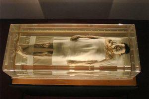 Kinh ngạc xác ướp 2.000 năm tuổi vẫn còn nguyên tóc, máu và tĩnh mạch
