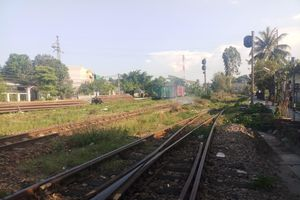 Buồn chuyện tình cảm, nam thanh niên nằm trên đường sắt bị tàu cán chết