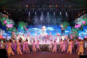 Chương trình nghệ thuật đặc biệt 'Hồ Chí Minh đẹp nhất tên Người'
