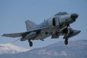 Su-27SK Trung Quốc 'thua trắng' 0-8 khi đấu đối kháng với F-4E Terminator