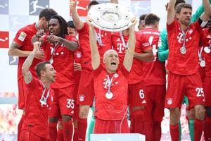 Bayern Munich 5-1 Frankfurt: 'Hùm xám' vô địch Bundesliga lần thứ 7 liên tiếp