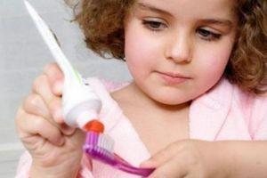10 sai lầm khi chăm sóc răng sữa khiến bé có thể bị 'hô' khi lớn lên