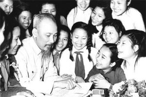 Hồ Chí Minh - nhà lý luận cách mạng giàu thực tiễn