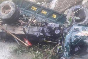 Xe tải lao vực sâu ở Hà Giang, 1 người chết, 2 người bị thương
