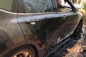 Nam Định: Honda CR-V bất ngờ bốc cháy dữ dội dưới trời nắng nóng - Đâu là nguyên nhân?