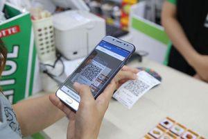 Ai từng thanh toán điện tử sẽ 'ghiền', không muốn xài tiền mặt