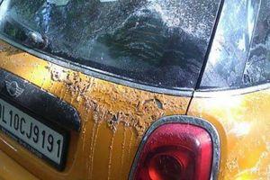 Hàng loạt ôtô bị tạt axit chỉ vì chiếm chỗ đỗ xe