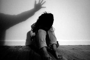 Khởi tố vụ án 9X 'yêu' nữ sinh lớp 8 khiến bé gái mang thai