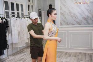 Hoa hậu Tuyết Nga mang 50kg trang phục tham dự LHP Cannes