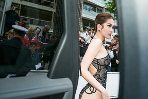 Ngọc Trinh gây sốc với trang phục 'mặc như không' tại thảm đỏ Cannes