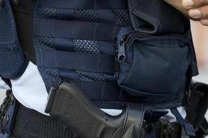 Úc: Nữ sỹ quan cảnh sát bị đồng nghiệp thò tay qua áo lót vào ngực