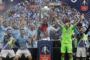 Manchester City vô đối xứ sở sương mù