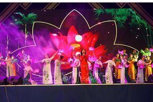 Nhiều hoạt động kỷ niệm 129 năm Ngày sinh Chủ tịch Hồ Chí Minh