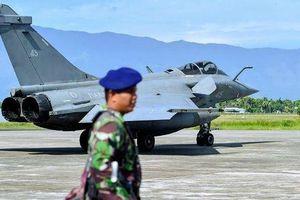7 máy bay chiến đấu của Pháp phải hạ cánh khẩn ở Indonesia