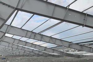 Sập nhà xưởng nặng hàng chục tấn ở Bình Dương, 1 người chết