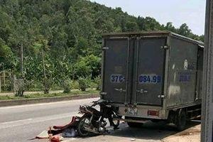 Đâm vào đuôi xe tải, người đàn ông đi xe máy thiệt mạng