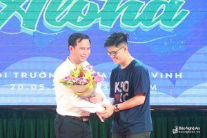 Lễ tri ân ngọt ngào của học sinh THPT chuyên Đại học Vinh