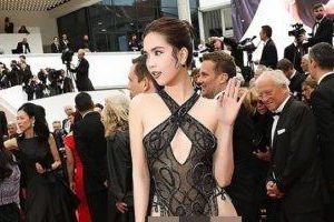 Ngọc Trinh đáp trả chỉ trích ăn mặc 'phản cảm' ở Cannes: 'Nó hợp với tôi và mang lại hiệu ứng thảm đỏ cao là được'