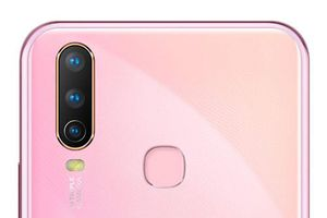 Smartphone 3 camera sau, pin 5.000 mAh, RAM 4 GB, giá 5 triệu
