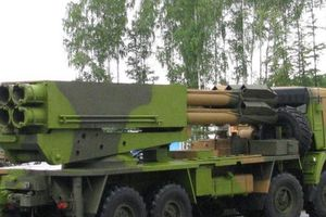 Nga có lữ đoàn pháo phản lực đa nòng 'gào thét' Tornado-S đầu tiên