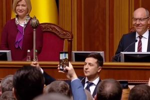 Tân Tổng thống Ukraine Zelensky tuyên bố giải tán quốc hội