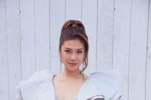 Giải vàng Siêu mẫu 2012 Thu Hằng bắt nhịp xu hướng, xúng xính túi cườm dự sự kiện