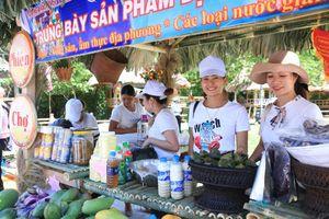 Phiên chợ vùng cao Quảng Trị - nơi người mua không phải trả giá