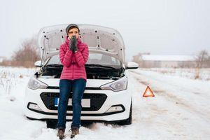 12 vật dụng luôn cần có trên xe hơi phòng trường hợp khẩn cấp