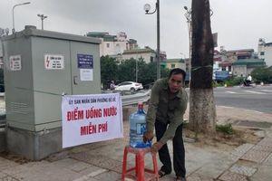 Phường Bồ Đề: Đặt bình nước miễn phí cho người dân