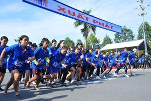 Hơn 28.000 vận động viên tham gia giải việt dã 'Cùng Sacombank chạy vì sức khỏe cộng đồng 2019'