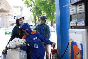 'Bỏ Quỹ bình ổn giá xăng dầu, Nhà nước mất công cụ điều tiết'
