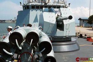 Tàu chiến Trung Quốc mở cửa đón khách ở Singapore