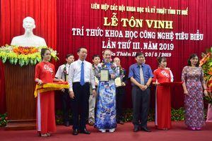 Thừa Thiên-Huế tôn vinh nhà khoa học nước ngoài