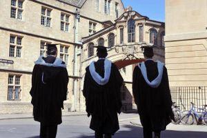 Đại học Oxford lần đầu hạ điểm xét tuyển cho thí sinh thiệt thòi
