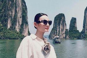 Mẫu Việt: Những 'trái đắng' sau sàn catwalk lộng lẫy
