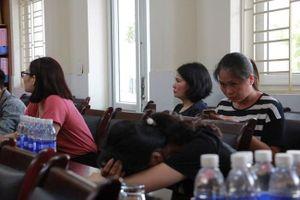 Hải Phòng yêu cầu buộc thôi việc cô giáo đánh liên tiếp vào đầu học sinh