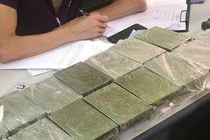 Tóm gọn 'nữ quái' vận chuyển 30 bánh heroin từ Thái Bình về Hải Phòng