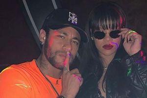 Neymar gây 'bão' khi lộ ảnh tiệc tùng cùng nữ ca sĩ Rihanna