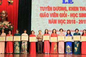 Ngành Giáo dục và Đào tạo quận Hoàn Kiếm: Vững bước, phát triển nghề 'trồng người'