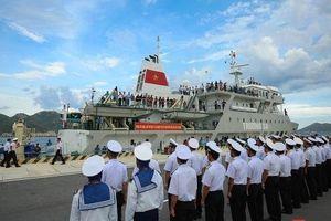 Cùng tàu HQ - 571 vượt sóng đến Trường Sa