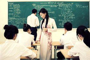 Sử dụng bảng viết kết hợp với các phương tiện trong dạy học