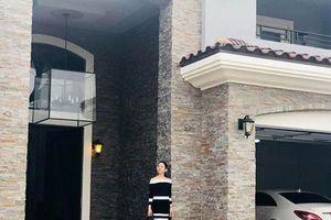 Những dinh thự triệu đô, lộng lẫy như hoàng cung của sao Việt ở nước ngoài